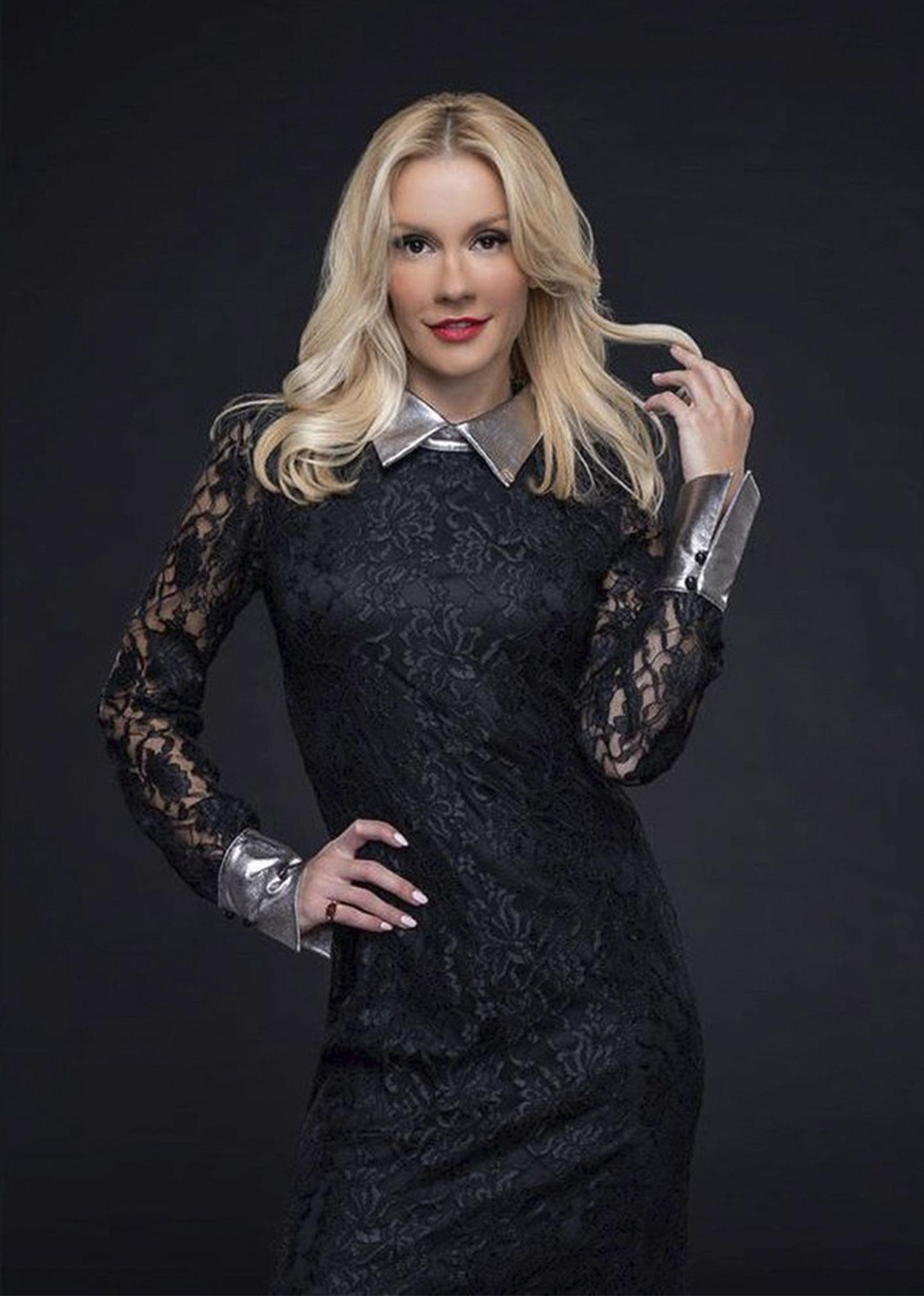 """Мария Игнатова е Жури на Наградите за Стендъп Комедия """"Златен Микрофон"""" 2021!"""